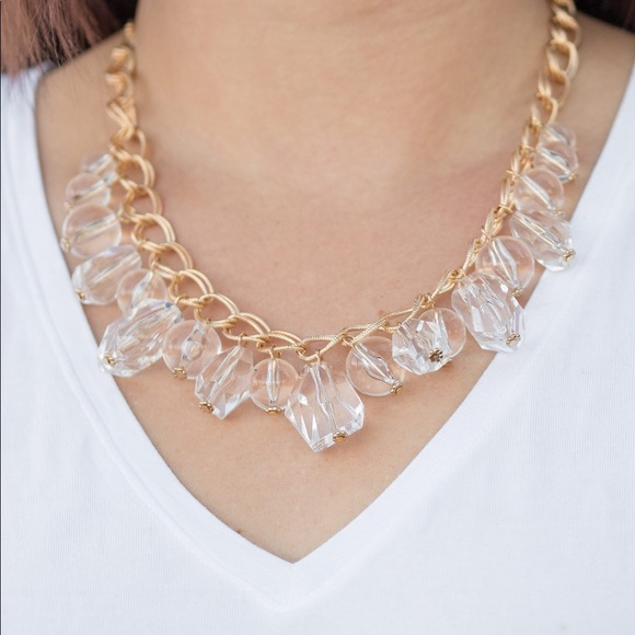 NWT Gold and Glassy Necklace Earring Set